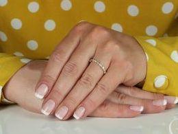 złoty pierścionek obrączka  złoto żółte prezent dla żony dziewczyny na urodziny imieniny na pamiątkę pod choinkę realne zdjęcie zdjęcia na palcu w pudełku na modelce