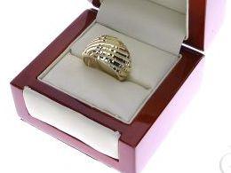 pierścionek złoty obrączka szeroki gruby złoto żółte 14K 0.585 pierścionek na palcu w pudełku realne zdjęcie zdjęcia pierścionek zaręczynowy na rocznicę pamiątkę dla żony dziewczyny mikołaja pod choinkę