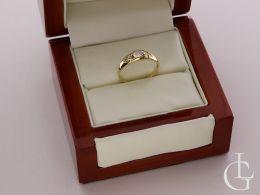 pierścionek zaręczynowy w pudełku złoto żółte cyrkonie złoto próba 0.585 14ct