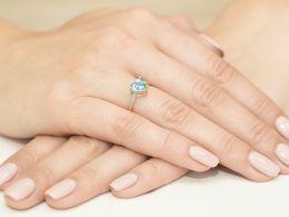 złoty pierścionek zaręczynowy z sercem w koronie topaz i brylanty złoto żółte próba 0.585 14K pierścionek na palcu realne zdjęcie serduszko topaz naturalny diamenty brylanty