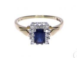 pierścionek złoty zaręczynowy z szafirem szafir brylantami brylanty diamenty diament złoto żółte 14K 0.585 pierścionek na palcu w pudełku realne zdjęcie zdjęcia pierścionek zaręczynowy na rocznicę pamiątkę mikołaja pod choinkę
