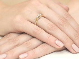 pierścionek zaręczynowy z brylantem diamentem klasyczny wzór brylant diament złoto żółte próba 0.585 14ct
