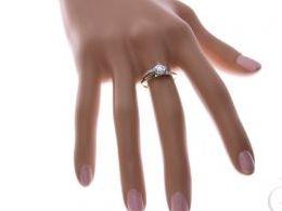 złoty pierścionek zaręczynowy zaręczyny z kamieniami z cyrkoniami złoto żółte prezent dla żony dziewczyny na urodziny imieniny na pamiątkę pod choinkę realne zdjęcie zdjęcia na palcu w pudełku na modelce