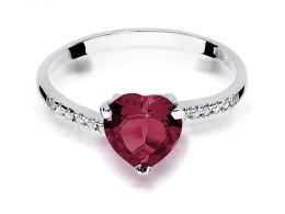 pierścionek złoty z serduszkiem sercem z rubinem rubin z brylantami diamentami na palcu na ręce realne zdjęcie zdjęcia klasyczny wzór brylanty diamenty złoto białe próba 0.585 14k