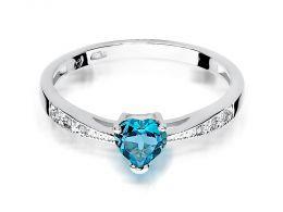 złoty pierścionek zaręczynowy z sercem serce korona z topazem topaz z brylantami brylanty diamenty diament złoto białe realne zdjęcia na palcu dłoni