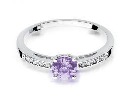 złoty pierścionek zaręczynowy z ametystem ametyst z brylantami diamentami na palcu na ręce złoto białe próba 0.585 14ct nowoczesny wzór pierścionka