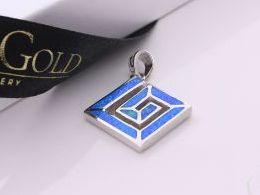 wisiorek srebrny z opalem opal niebieski zawieszka srebrna na łańcuszek na szczęście prezent dla dziewczyny żony koleżanki na urodziny imieniny rocznicę zawieszki złote serduszka na walentynki pod choinkę na Mikołaja prezent