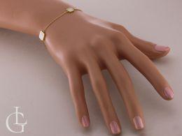 złota bransoletka celebrytka na ręce na nadgarstku kwadraty łańcuszek ankier bransoletki złote damskie celebrytki realne zdjęcia