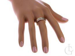 obrączka złota pierścionek na palcu cyrkonie złoto żółte, białe, różowe 14K 0.585 szeroka szyna