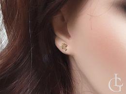 kolczyki złote krzyżyki na uchu zapięcie sztyft złoto żółte próba 0.585 14K