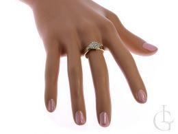 złoty ekskluzywny pierścionek na palcu pierścionki zaręczynowe żółte złoto próba 0.585 14K