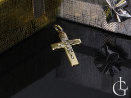 krzyżyk złoty z Panem Jezusem złoto żółte złoto białe wzór diamentowany chrzest komunia