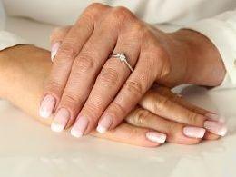 pierścionek złoty zaręczynowy z brylantami diamentami z białego złota białe złoto zaręczyny cyrkonie złoto żółte 14K 0.585 pierścionek na palcu w pudełku realne zdjęcie zdjęcia pierścionek zaręczynowy na rocznicę pamiątkę mikołaja pod choinkę