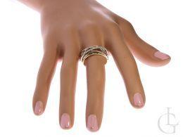 złoty pierścionek ekskluzywny szeroki cyrkonie złoto białe żółte pierścionek na palcu dłoni w pudełku