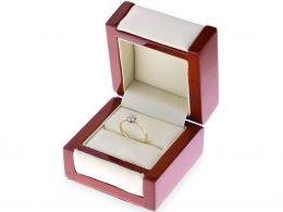 złoty pierścionek na prezent dla dziewczyny żony realne zdjęcia zdjęcie w pudełku pierścionek zaręczynowy złoty żółte złoto próba 0.585 zaręczyny pierścionki złote cyrkonia cyrkonie klasyczne pierścionki zaręczynowe