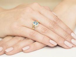 złoty pierścionek markiza na zaręczyny topaz naturalny i brylanty złoto żółte próba 0.585 14ct pierścionek na palcu realne zdjęcie pierścionki zaręczynowe na prezent dla dziewczyny żony rocznicę pod choinkę na walentynki
