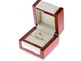 pierścionek złoty w pudełku złoto żółte próba 0.585 pierścionek na prezent dla dziewczyny żony zaręczyny realne zdjęcie w pudełku