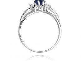 złoty pierścionek na zaręczyny z dużym szafirem naturalnym i brylantami złoto białe z białego złota klasyczne próba 0.585 pierścionek na palcu markiza realne zdjęcia szafir