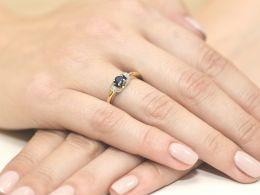 złoty pierścionek zaręczynowy z szafirem naturalnym i brylantami złoto żółte próba 0.585 14ct