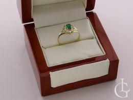 złoty pierścionek zaręczynowy w pudełku markiza szmaragd cyrkonia złoto żółte 0.585 14ct