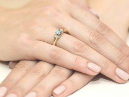 złoty pierścionek zaręczynowy z topazem naturalnym i brylantami złoto żółte 0.585