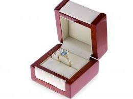 pierścionek złoty z topazem topaz brylantami diamentami brylant brylanty diamenty pierścionek w pudełku realne zdjęcie