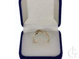 ekskluzywny złoty pierścionek wysadzany kamieniami złoto żółte 0.585 14ct
