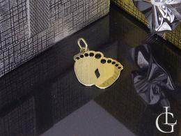 wisiorek złoty stópki stopy zawieszka złota na łańcuszek prezent na chrzest, urodziny dziecka złoto żółte próba 0.585
