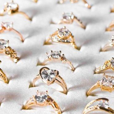 Jaki pierścionek zaręczynowy?
