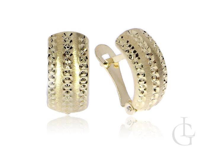 Złote kolczyki pr.0,585 angielskie zapięcia z satynowym i diamentowanym wykończeniem
