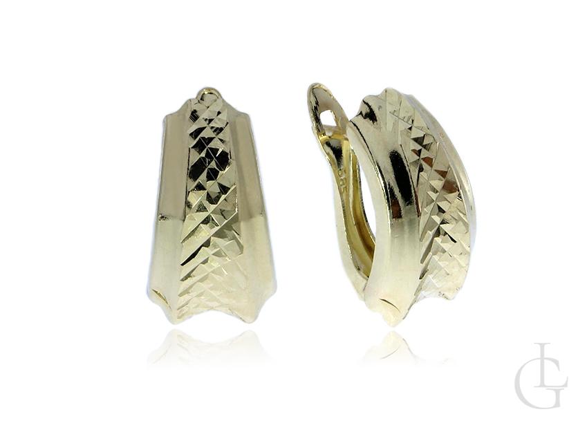 Złote kolczyki pr.0,585 angielskie zapięcia z diamentowanym wykończeniem