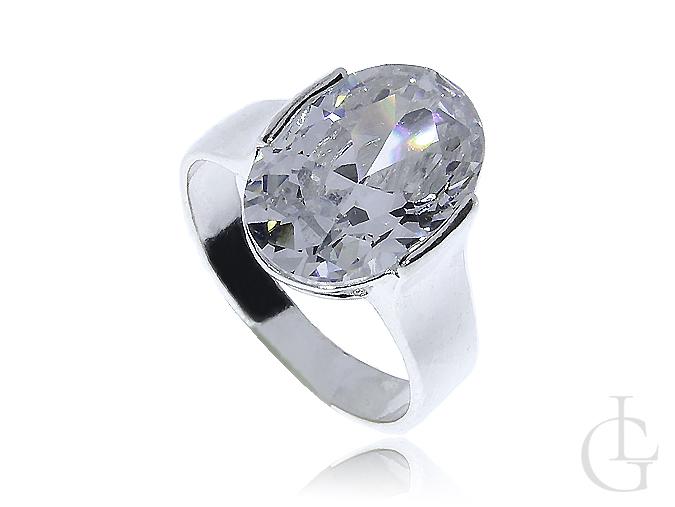 1390e0f5f1ea03 Srebrny pierścionek klasyczna cyrkonia owalna srebro 0.925 - LipGold