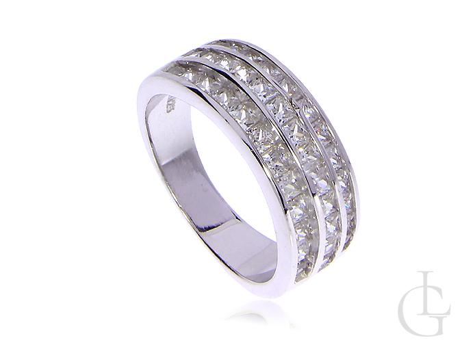 Srebrny pierścionek obrączka wysadzany kamieniami szeroka szyna