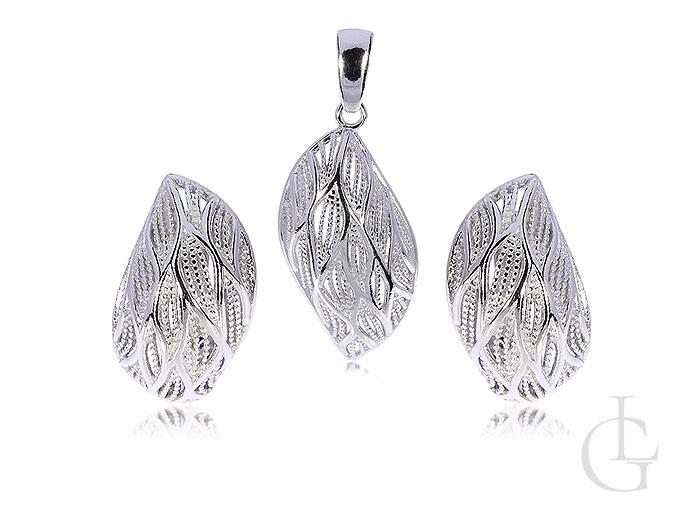 Srebrny komplet biżuterii damskiej kolczyki wisiorek na łańcuszek