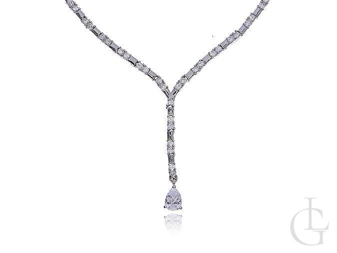 Elegancki naszyjnik srebrny damski z cyrkoniami srebro 0.925