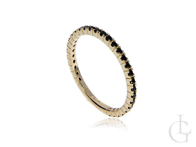 Złoty pierścionek obrączka czarne cyrkonie