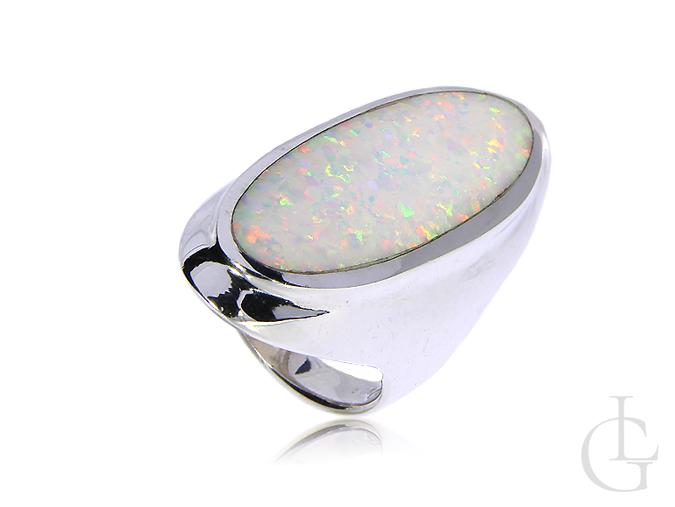 Duży pierścionek srebrny z opalem naturalnym