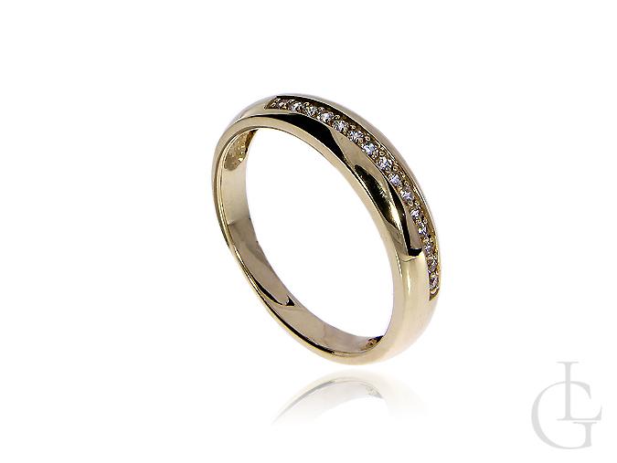 Złoty pierścionek obrączka pr.0,585 z cyrkoniami