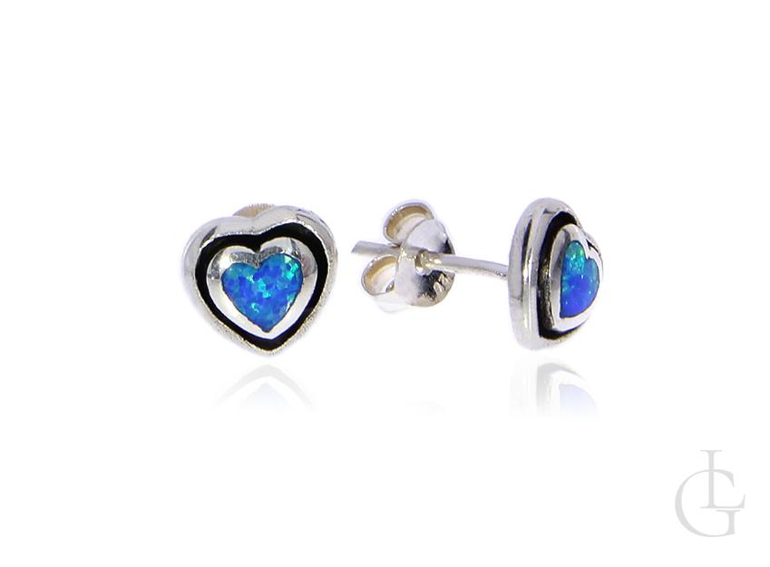 Kolczyki serduszka na sztyft z opalem błękitnym
