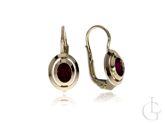 Kolczyki złote pr.0,585 z rubinowymi cyrkoniami