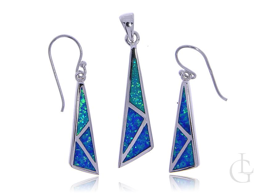 Komplet biżuterii ze srebra rodowanego pr.0,925 z opalem błękitnym