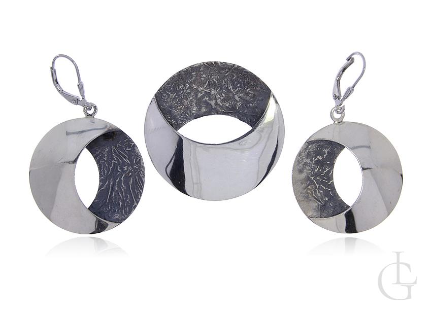 Komplet biżuterii kolczyki wisior ze srebra rodowanego pr.0,925 z oksydą