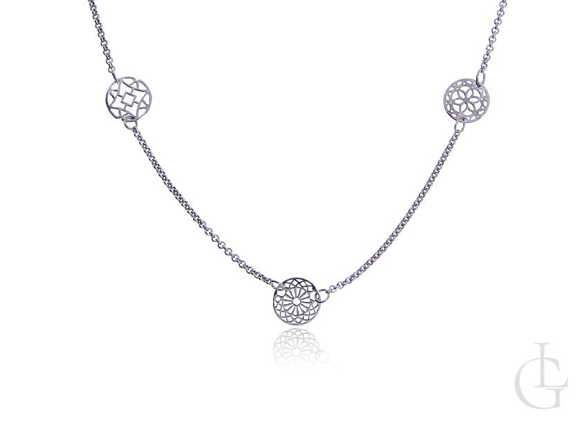 Naszyjnik celebrytka ze srebra rodowanego pr.0,925 z ażurowymi kółeczkami