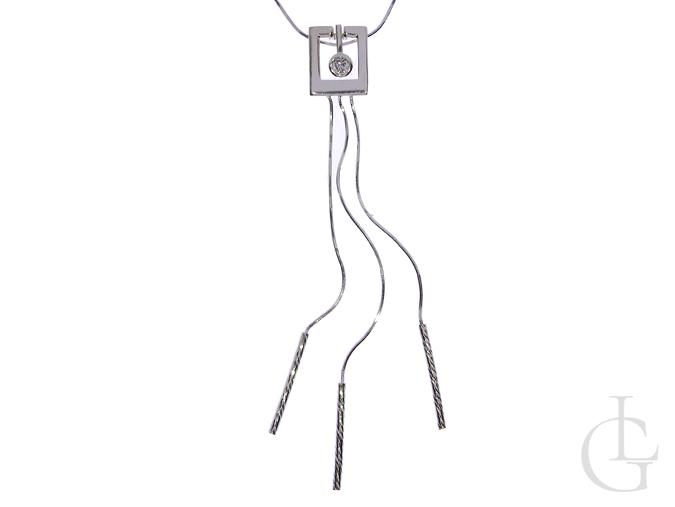 Naszyjnik krawat ze srebra pr.0,925 z cyrkonią