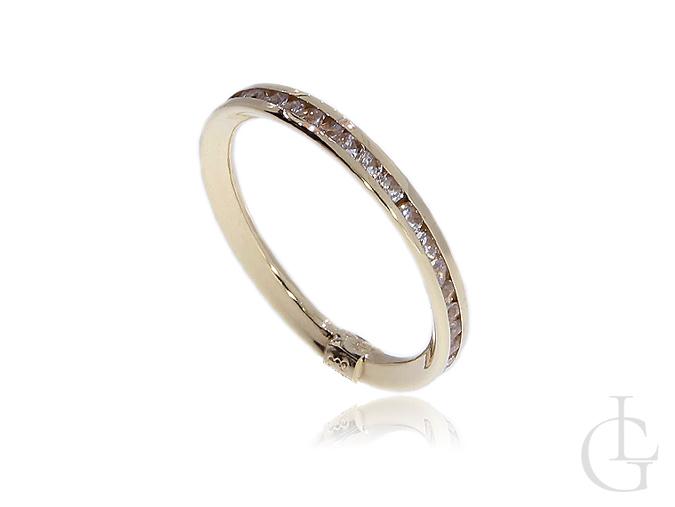 Złoty pierścionek obrączka z cyrkoniami pr.0,585