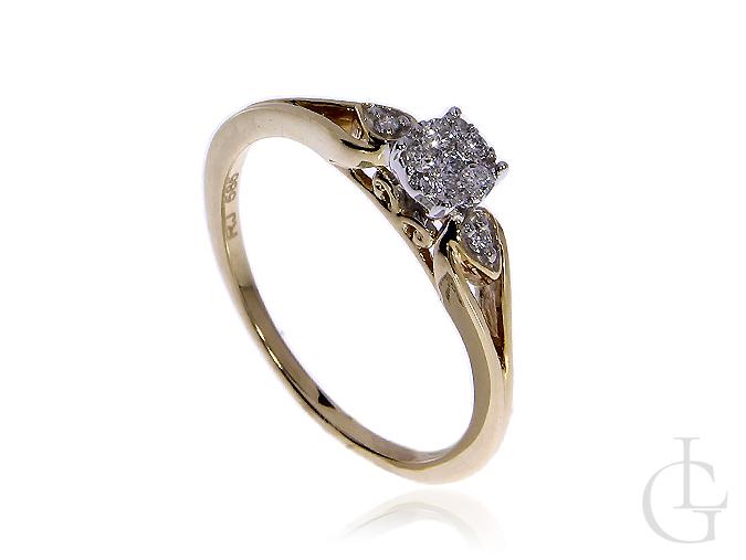 Złoty pierścionek zaręczynowy pr.0,585 z brylantami