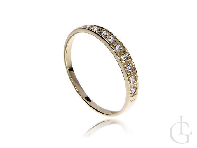 Śliczny pierścionek na zaręczyny z cyrkoniami złoto 14 k