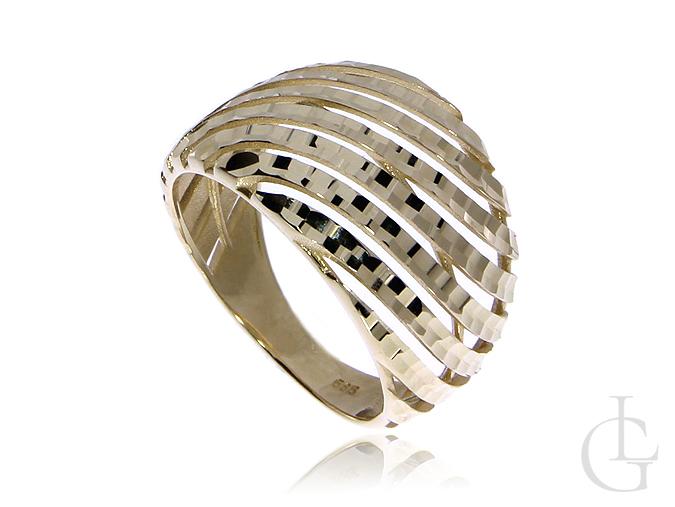 Złoty pierścionek pr.0,585 obrączka z diamentowanym wykończeniem