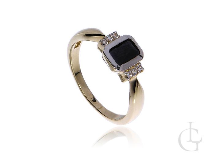 Złoty pierścionek zaręczynowy pr.0,585 z czarną i klasycznymi cyrkoniami