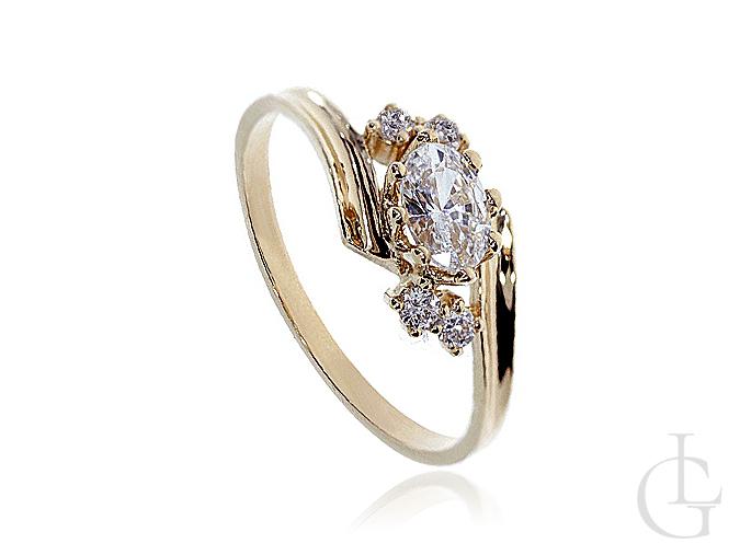 Złoty pierścionek pr.0,585 na zaręczyny wysadzany cyrkoniami